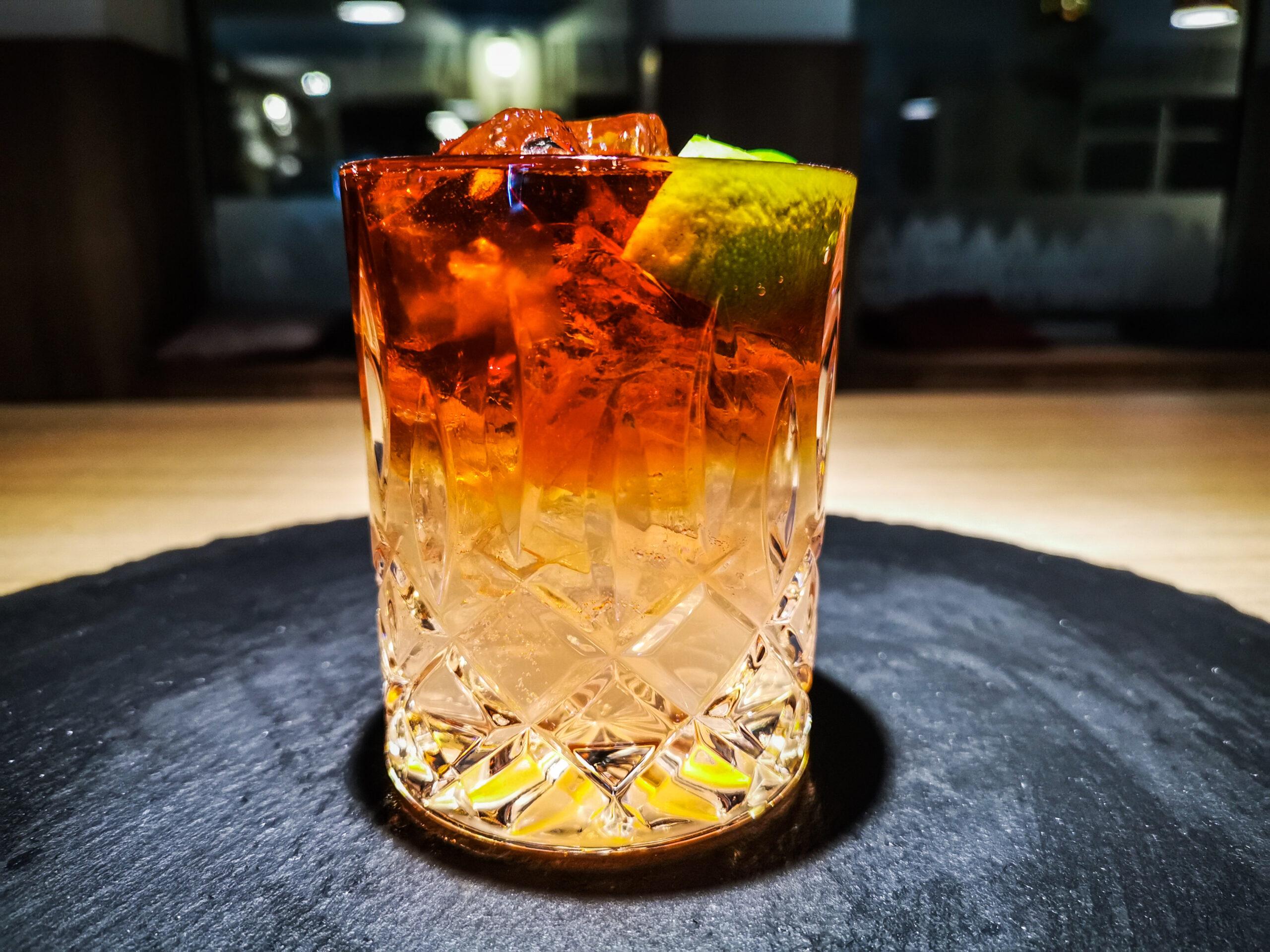 Spirituosen und Cocktails in der Alten Residenzapotheke